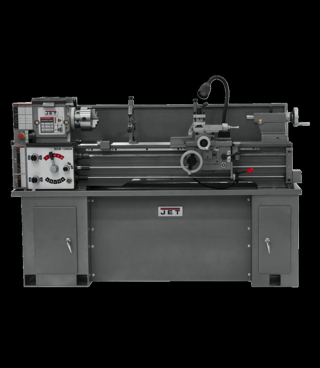 BDB-1340A-TAK, torno con accesorio de ahusamiento instalado